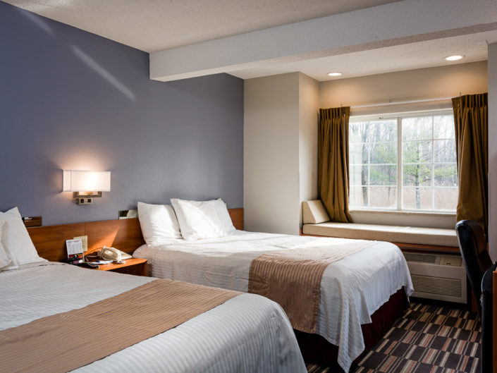Vermont Holiday Inn Guest Room   Hotel Interior Photography   Bed & Breakfast   BNB   Real Estate   Architecture   Interior Design   Albany NY Photographer Dave Butterworth   EyeWasHere   Eye Was Here Photography