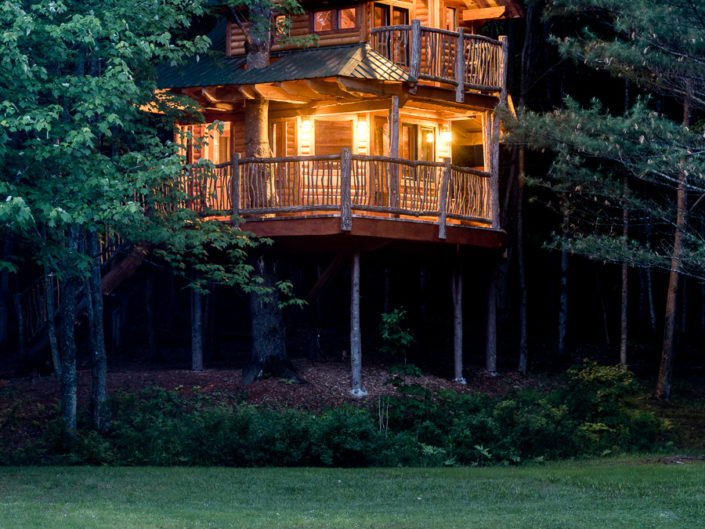 Waterbury VT Treehouse Twilight | Hotel Exterior Photography | Bed & Breakfast | BNB | Real Estate | Architecture | Interior Design | Albany NY Photographer Dave Butterworth | EyeWasHere | Eye Was Here Photography
